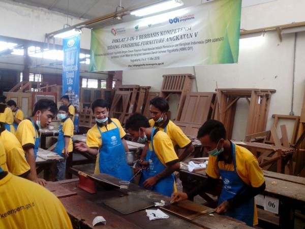 Diklat 3-in-1 Bidang Finishing Furniture Angkatan V