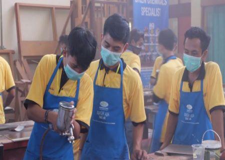 Diklat 3 in 1 Berbasis kompetensi Finishing Furniture di BDI Yogyakarta