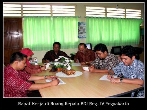 Rapat kerja di Ruang Kepala BDI Reg. IV Yogyakarta
