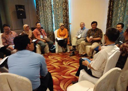 Suasana FGD pada acara Temu Industri antara Dunia Usaha dengan Unit Pendidikan dan BDI (Medan, 21 Agustus 2014)