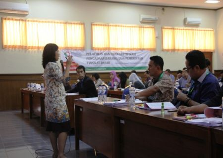 Widyaiswara BDI Yogyakarta saat menyampaikan materi