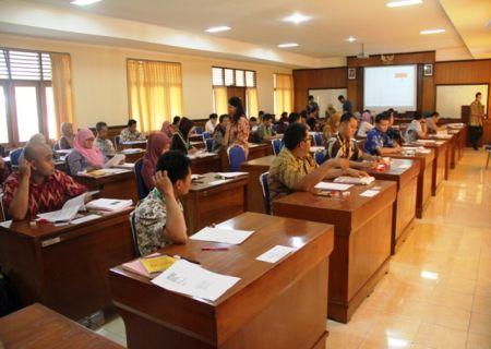 Suasana ujian sertifikasi PBJ (8 Mei 2015)