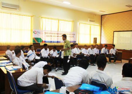 Penyampaian Materi Kewirausahaan oleh Widyaiswara BDI Yogyakarta