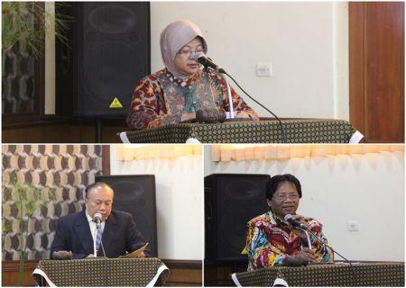 Sambutan oleh Kepala BDI Yogyakarta (atas), Wakil Ketua IWI Pusat (kiri), Ketua IWI-DIY (kanan)