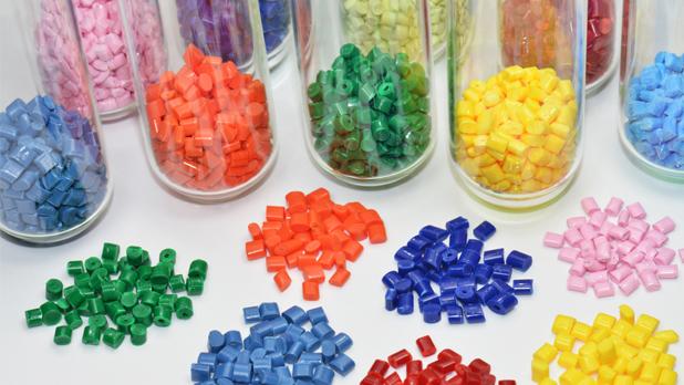 Pengaruh Faktor-faktor Eksternal pada Industri Plastik di Indonesia